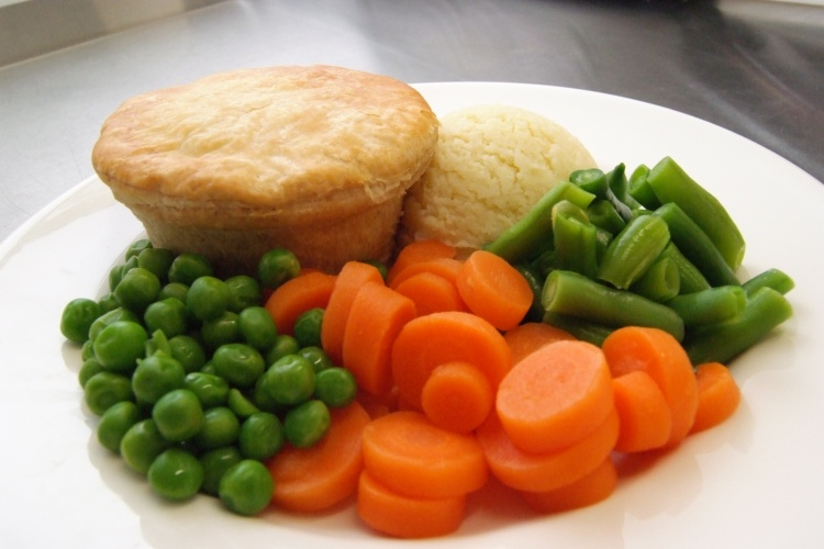 Pie & Mash with Fresh Vegetables