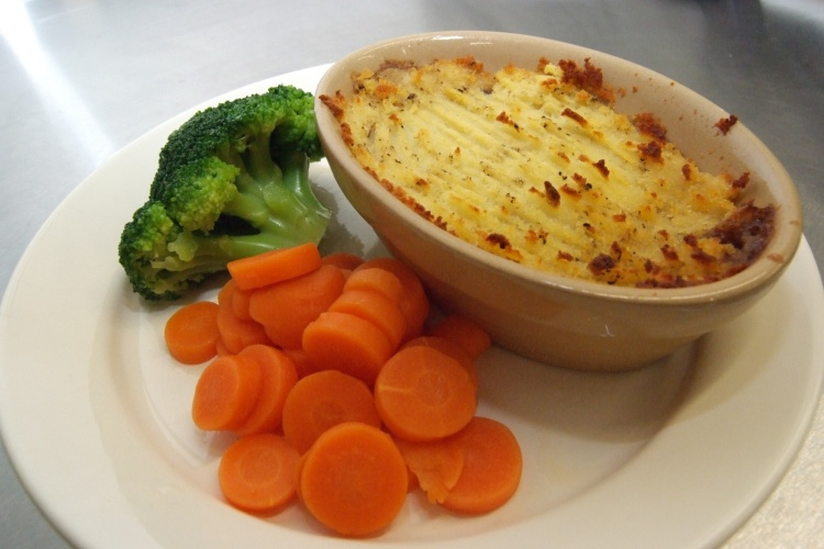 Cottage Pie with Fresh Vegetables
